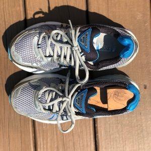 Brooks Shoes - Men's Brooks GTS size 7